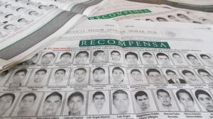 La PGR ofrece 1.5 millones de pesos a quien informe sobre los 43 normalistas. Foto/Cuartoscuro