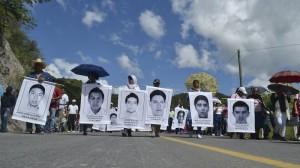 La CETEG ha realizado varias manifestaciones para exigir que sean presentados con vida los 43 normalistas. Foto/Cuartoscuro