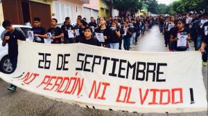 (@isain) La Normal Rural de Mactumátza en Chiapas salió este jueves a manifestarse por la desaparición de sus compañeros normalistas