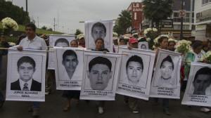 Marcha por normalistas desaparecidos. Foto/Cuartoscuro
