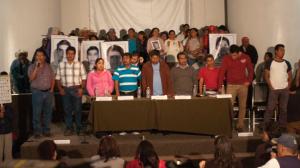 Para los familiares de los 43 normalistas, son insuficientes las investigaciones. Foto/Cuartoscuro