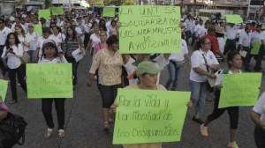 Marcha por normalistas. Es la segunda ocasión en que salen a marchar en Acapulco. Foto/Cuartoscuro (Archivo)