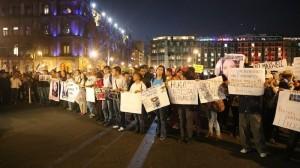 Manifestantes el 20 de noviembre. Sólo expresaban su inconformidad. Foto/Cuartoscuro