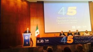(@ghenestroza) Felipe Calderón dirige mensaje a diputados locales