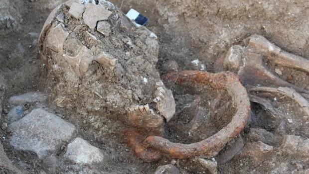 Descubren entierro de gladiadores encadenados durante 2,000 años