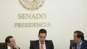 Jorge Carlos Hurtado Valdez junto a Omar Fayad Meneses y Fernando Yunez Márquez.