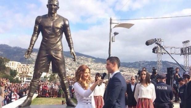 Inauguran estatua de Cristiano Ronaldo con enorme