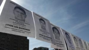(Rodolfo Angulo/Cuartoscuro) Rostros de los normalistas desaparecidos en Iguala desde el 26 de septiembre