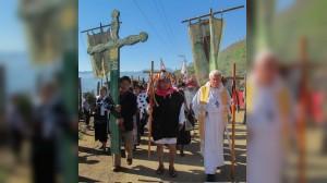 Raúl Vera López, Obispo de Saltillo y Monseñor Felipe Arizmendi Esquivel, miembros de la Organización la Abejas de Acteal y habitantes de está comunidad de Chenalo, Chiapas. Conmemoraron los VXII años de la masacre en ese poblado que costó la vida a 45 habitantes y manifestaron su desacuerdo por la liberación de los responsables, la cual fue ordenada por la Suprema Corte de Justicia de la Nación. FOTO: RAUL VERA /CUARTOSCURO