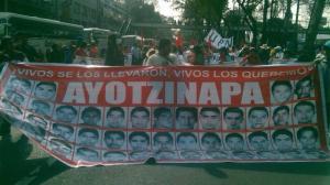 Los inconformes demandan la presentación con vida de los 43 normalistas de Ayotzinapa. Foto: Alejandro Pacheco/SDPnoticias