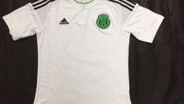 8ba2f94c7b39b Se presentaron los que serían los uniformes de la Selección Mexicana en la  Copa América 2015