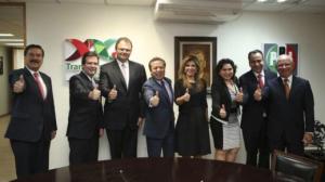 Claudia Pavlovich Arellano (centro) es la candidata del PRI por Sonora. Foto/PRI