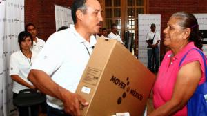 Se determinó que cuando se entreguen estos aparatos no se use el 'slogan' del gobierno federal 'Mueve a México'. Foto/SCT