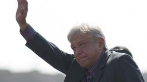 Andrés Manuel reprochó que los expresidentes perciben un millón de pesos mensuales cada uno. Foto/Especial